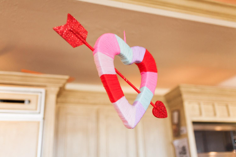 art-craft-valentines-day-party-Connie-Meinhardt-Photography-yarn-heart.jpg