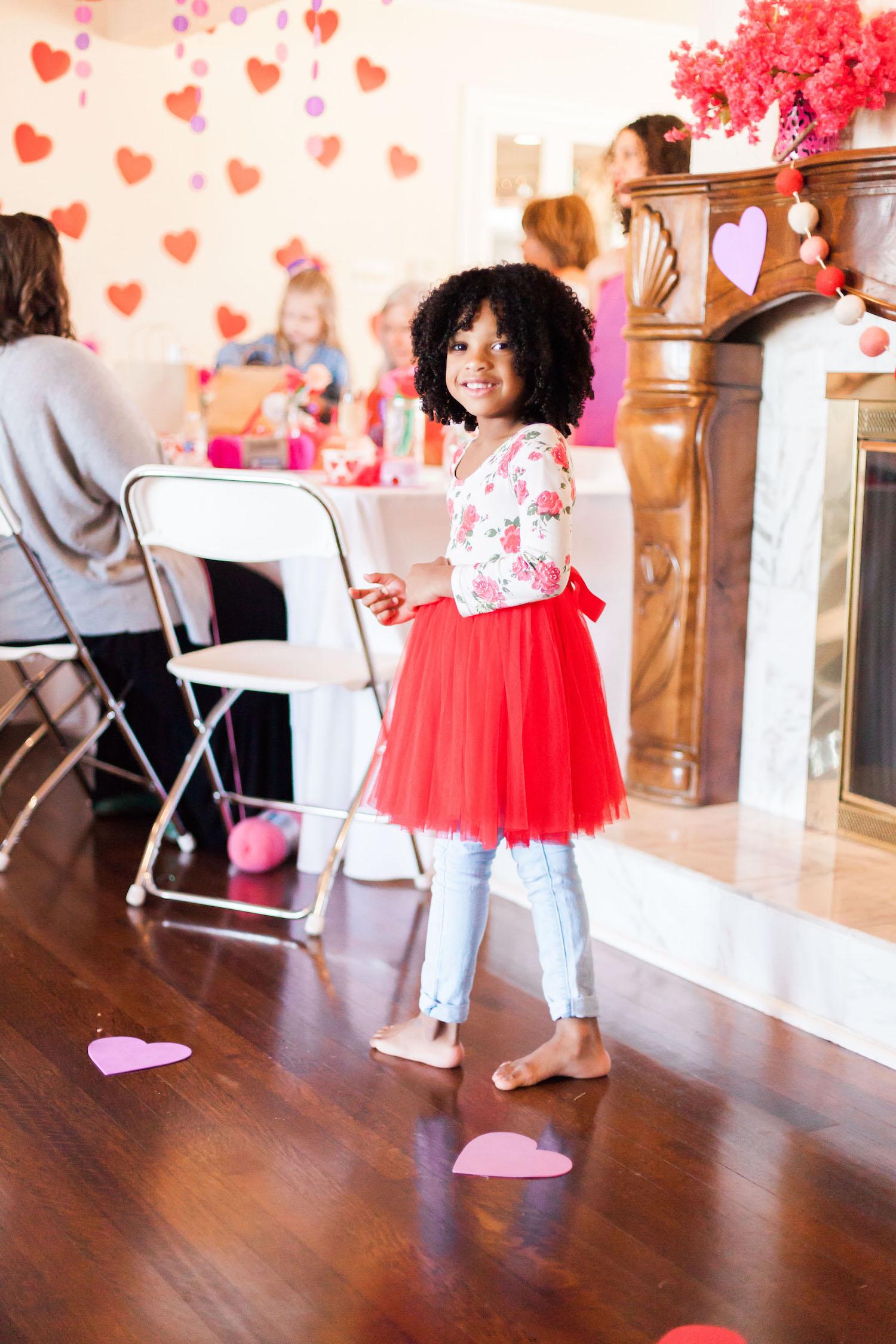 art-craft-valentines-day-party-Connie-Meinhardt-Photography-girl-in-tutu.jpg