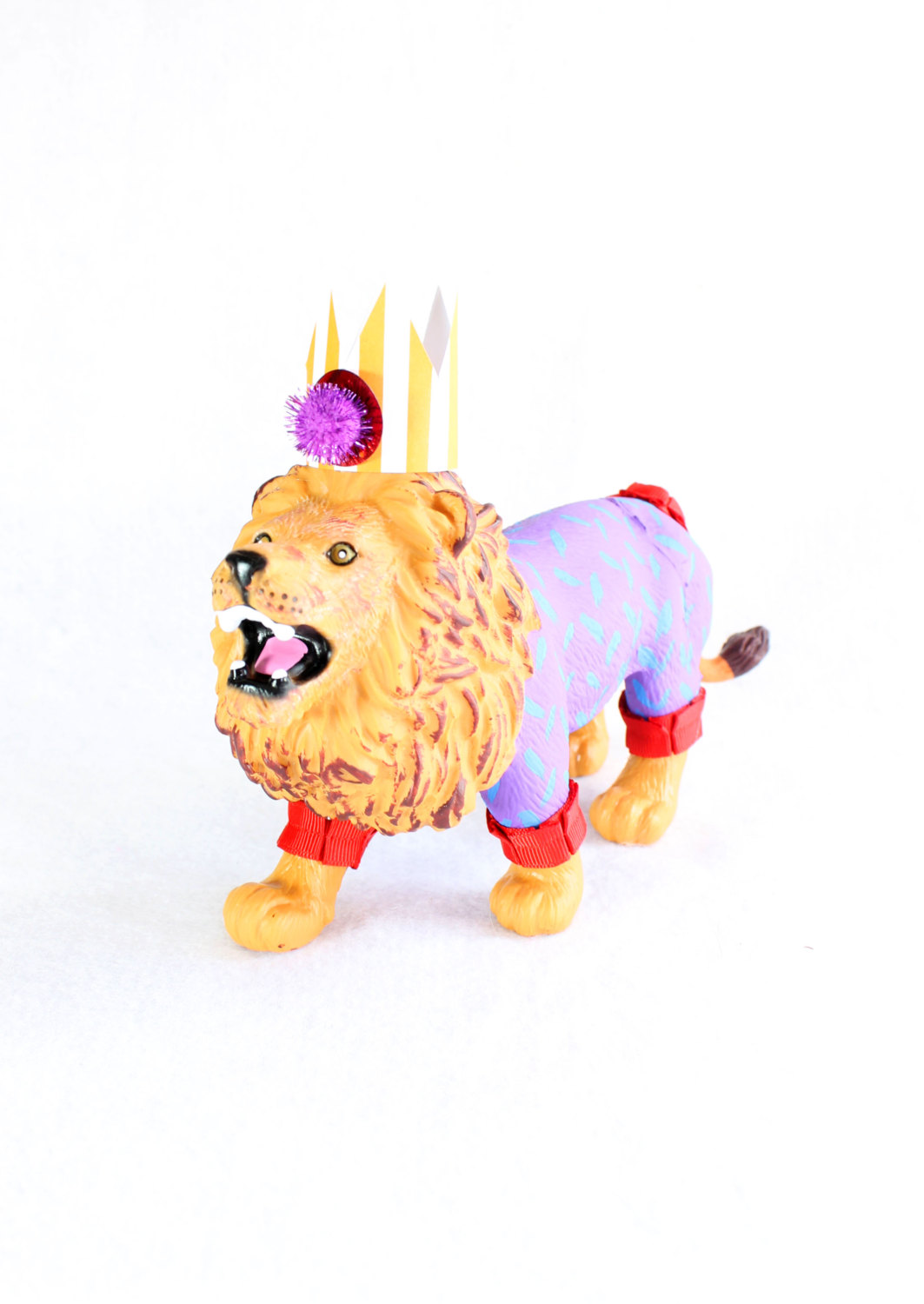 Lion Circus Cake Topper / Lion in Crown Birthday Party Decoration from Painted Parade / see more on www.GiggleHearts.com