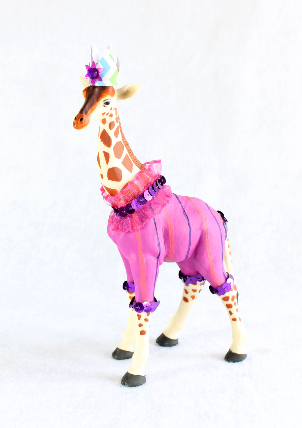 Giraffe Circus Cake Topper / Hand Painted Giraffe Birthday Party Decoration from Painted Parade / see more on www.GiggleHearts.com