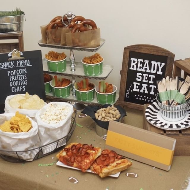 football-party-tablescape.jpg
