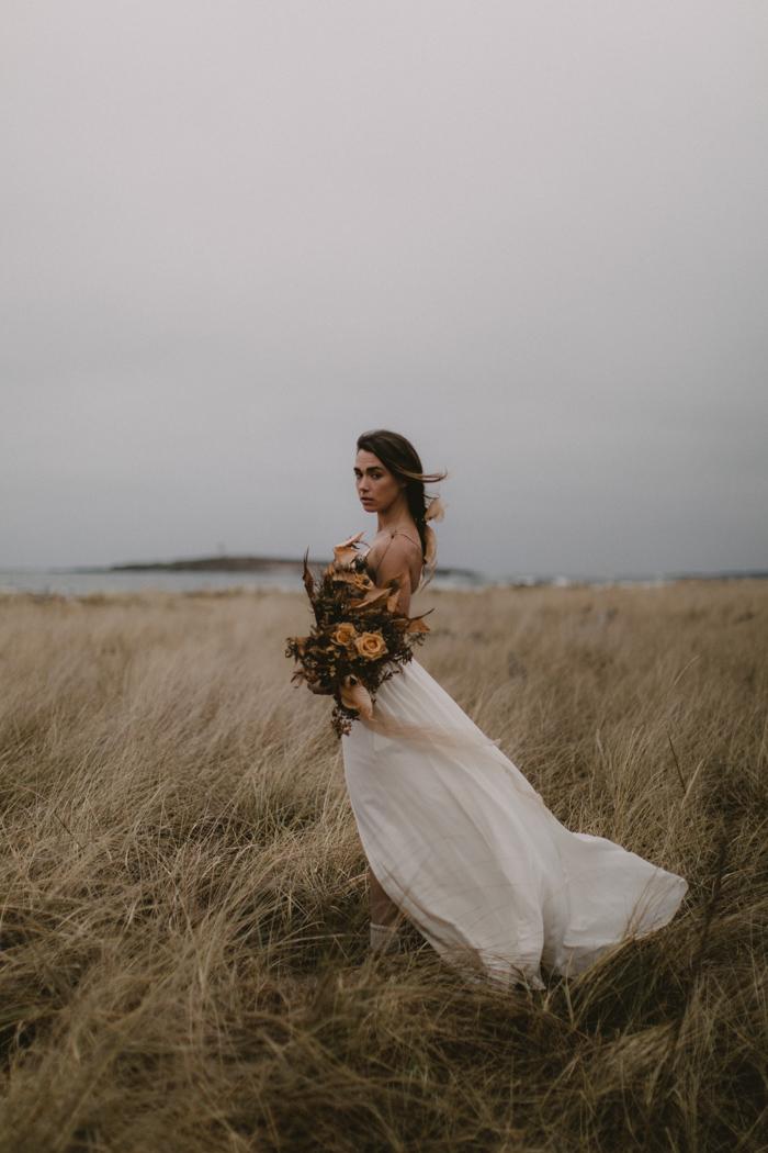 this-moody-maine-coast-wedding-inspiration-is-deliciously-cozy-in-warm-neutral-tones-jamie-mercurio-photography-26.jpg