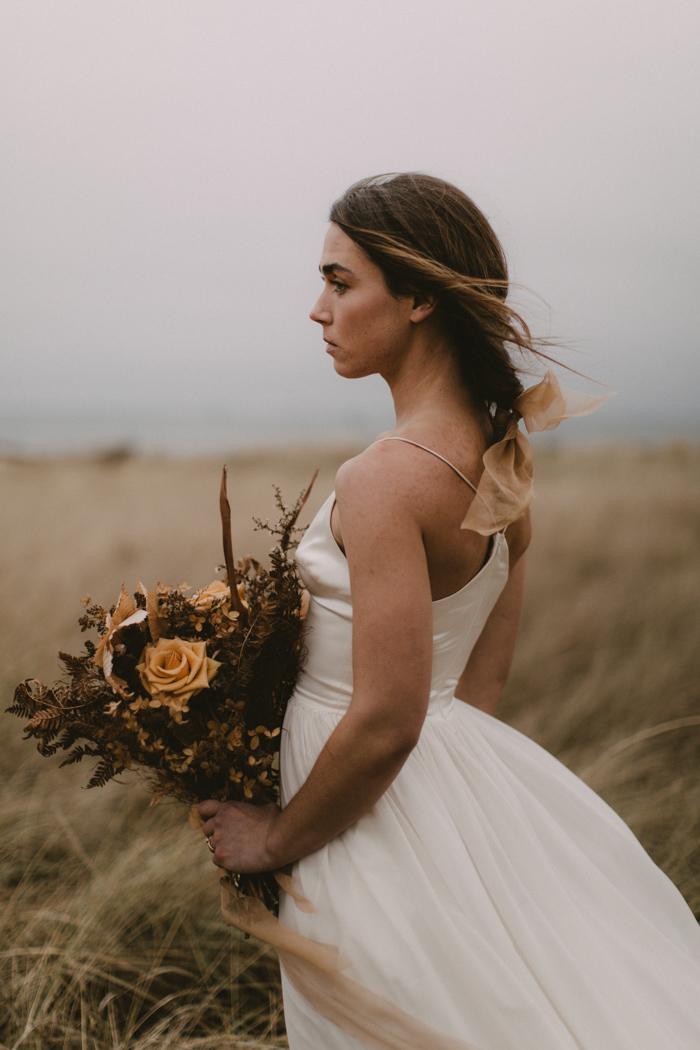 this-moody-maine-coast-wedding-inspiration-is-deliciously-cozy-in-warm-neutral-tones-jamie-mercurio-photography-25.jpg