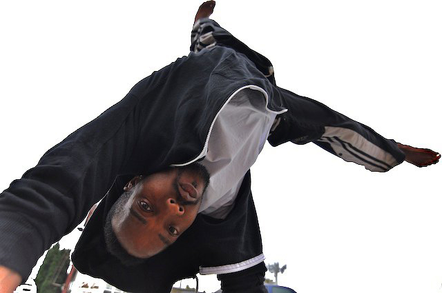 Lacraia_Chadwick_Coleman_handstand2.jpg