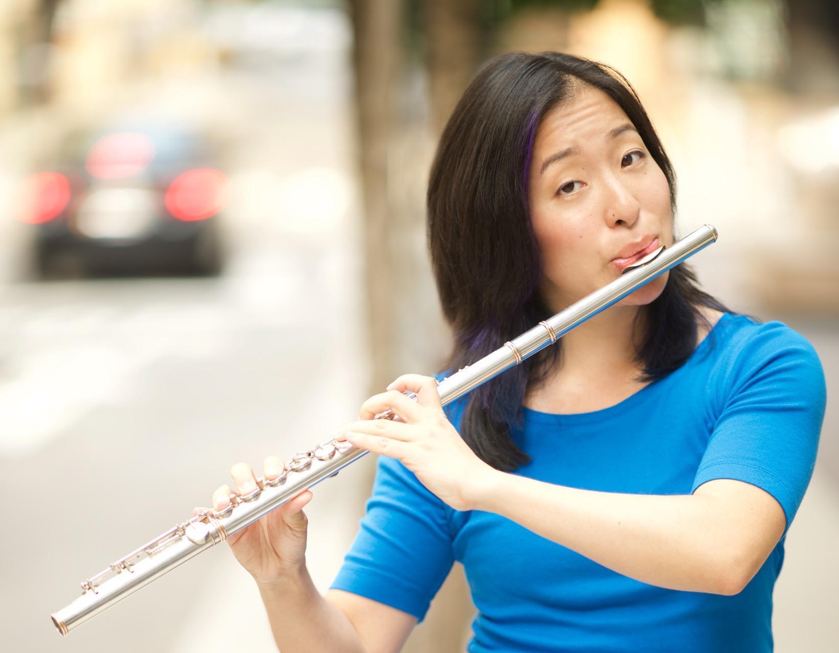 - ゲストプロフィール:ニューヨーク市立大学大学院音楽専攻博士課程。 SF・ファンタジー音楽に詳しく、個性と集団的なアイ デンティティーが音楽演奏によってどのように構築されるかをテーマに研究している。歌、踊り、 演劇、フルートの演奏が好き。