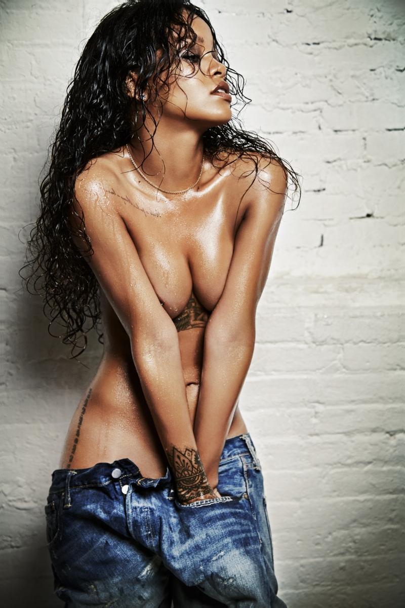 Esquire-UK-Editorial-December-2014-Rihanna-by-021817.jpg