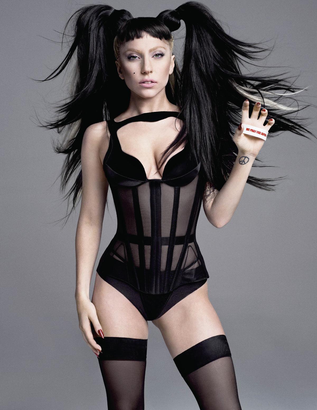 Lady-Gaga-V-Magazine-Summer-2011-Pic-5.jpg