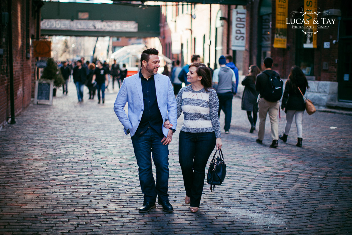 distillery_district_engagement-11.jpg