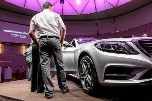 Bright-Entertainment-Mercedes-Benz-Presentation-S-Class (2).jpg