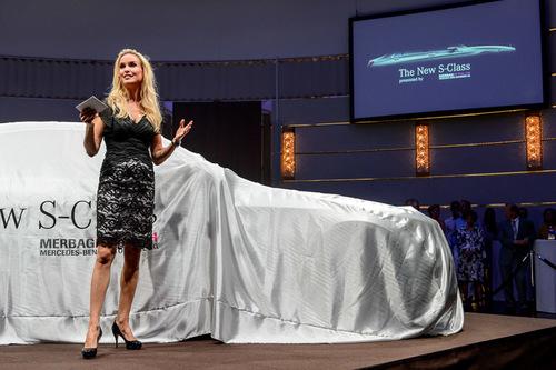 Bright-Entertainment-Mercedes-Benz-Presentation-S-Class (7).jpg