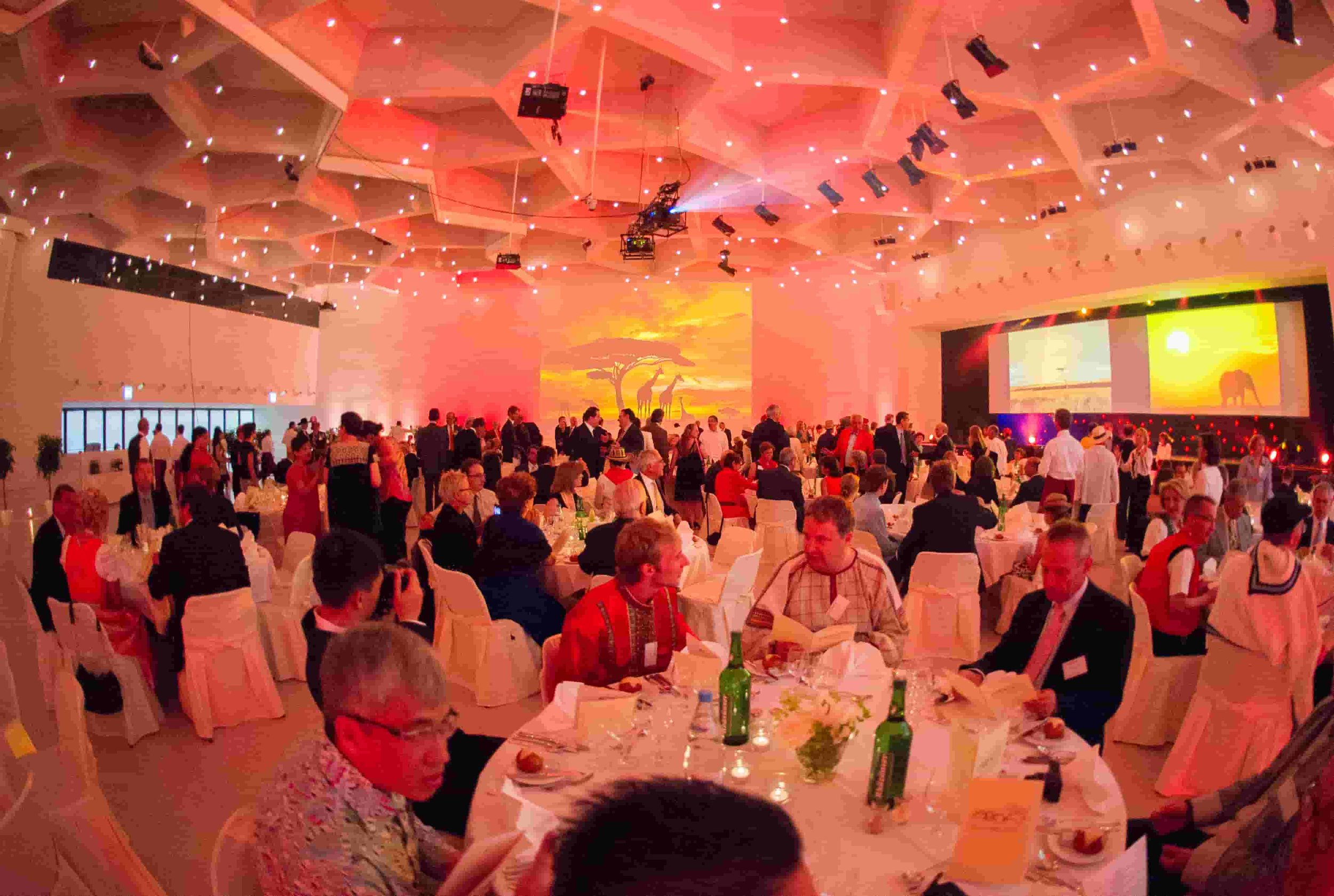Bright-Entertainment-AO-Foundation_20years-open-door-incentive-gala (4).jpg