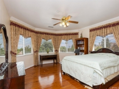 Large private room with beautiful view of the city.