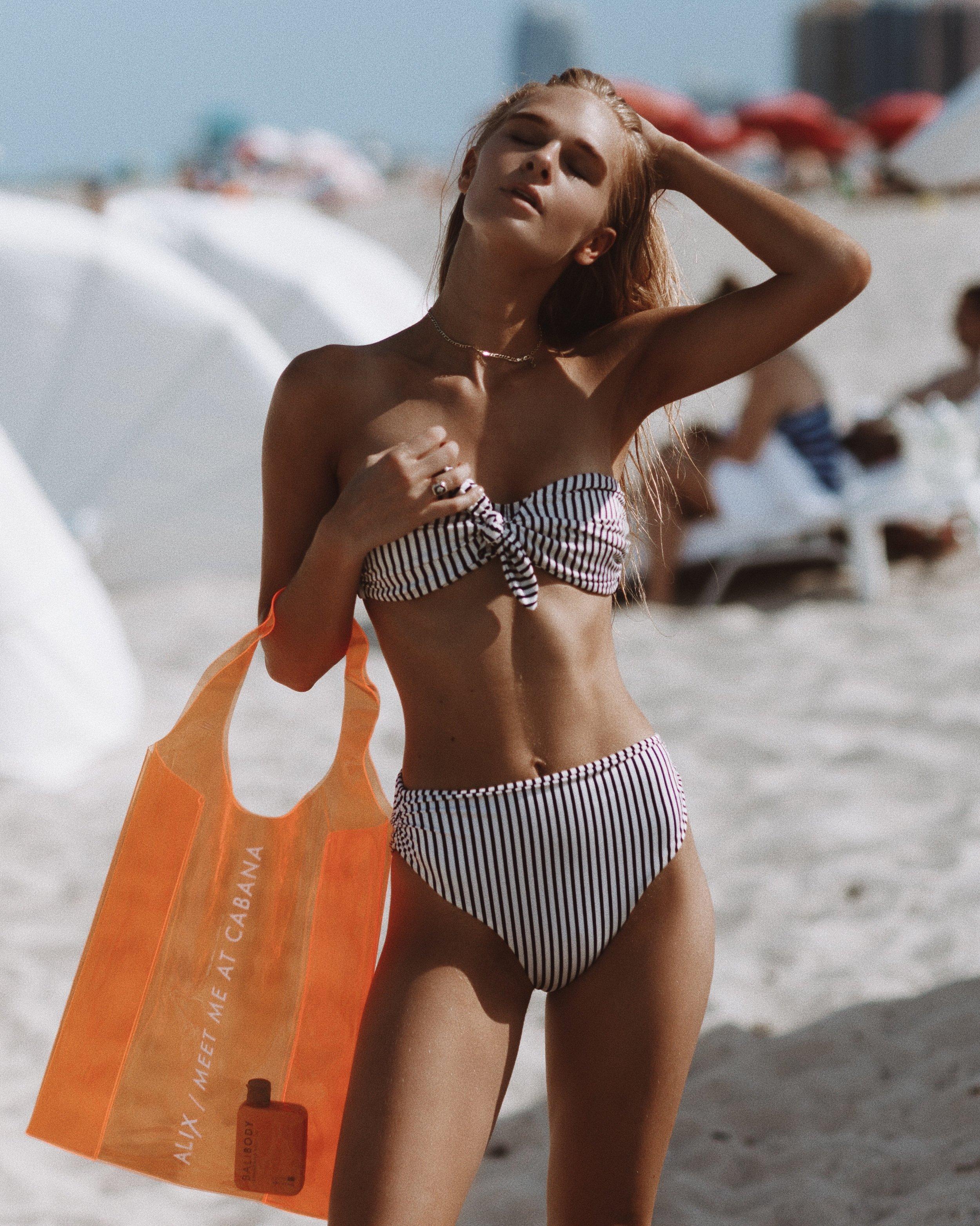 swim-week-miami-airbrush-tan.jpg