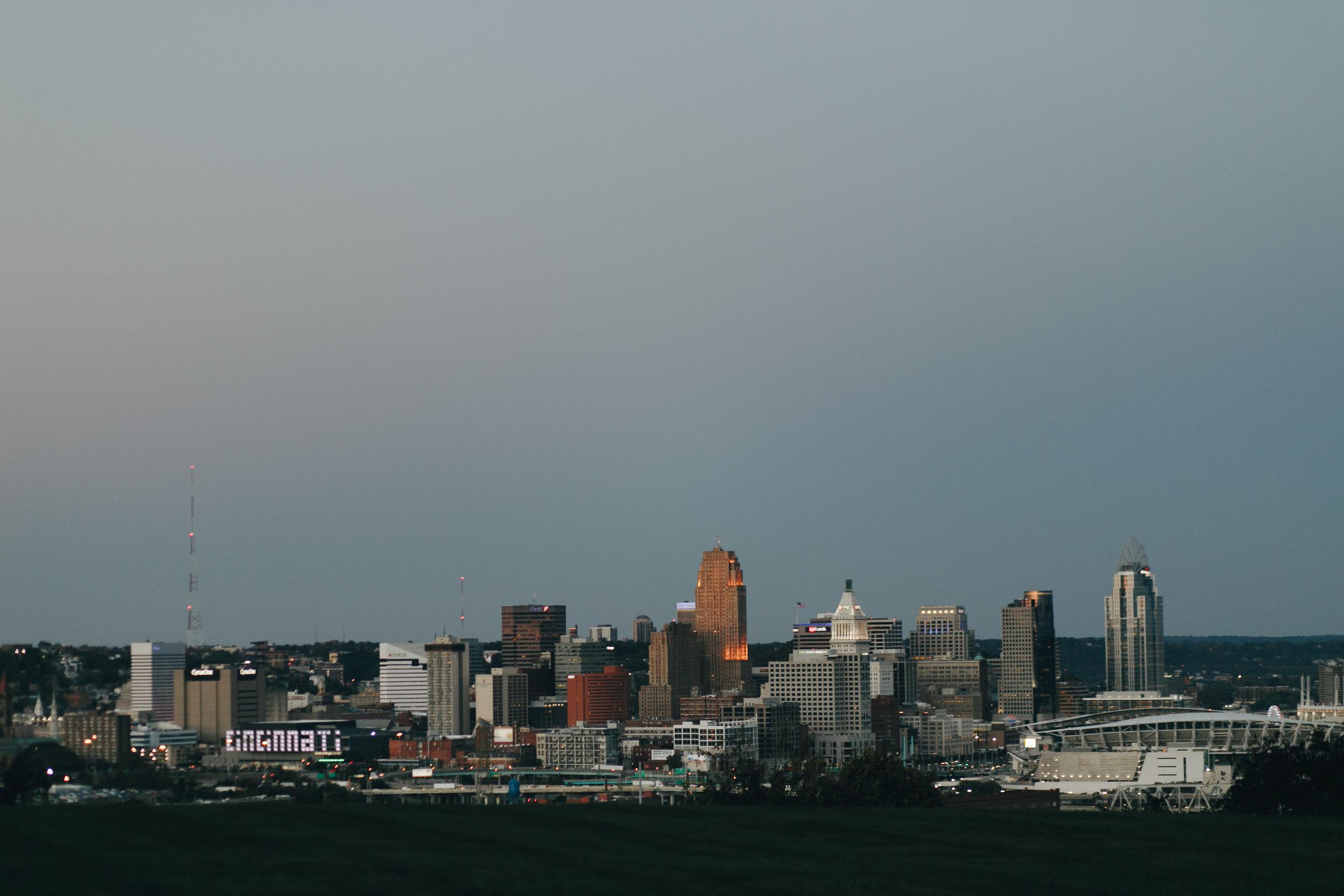 Photography Anthology - Cincinnati Engagement Photos Devou Park Smale Skyline (9 of 21).jpg