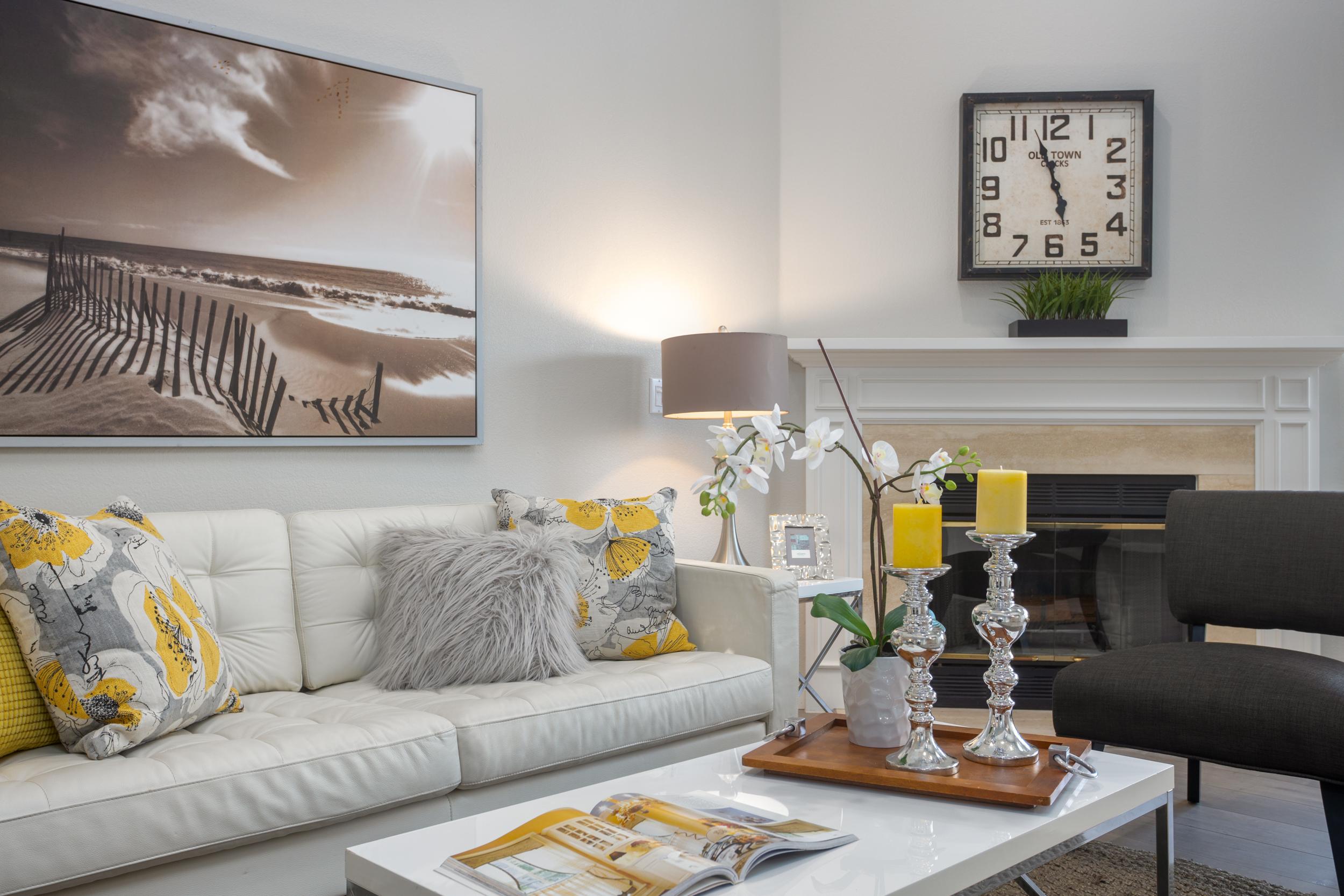 07 Living Room.jpg