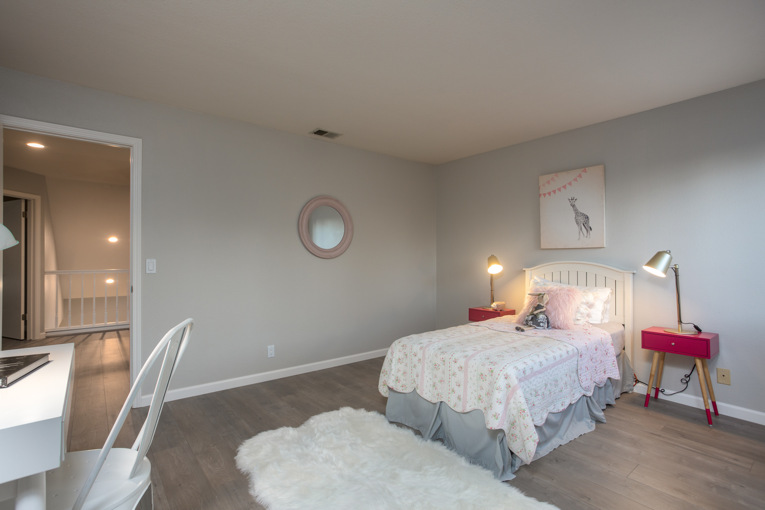 28 Bedroom.jpg