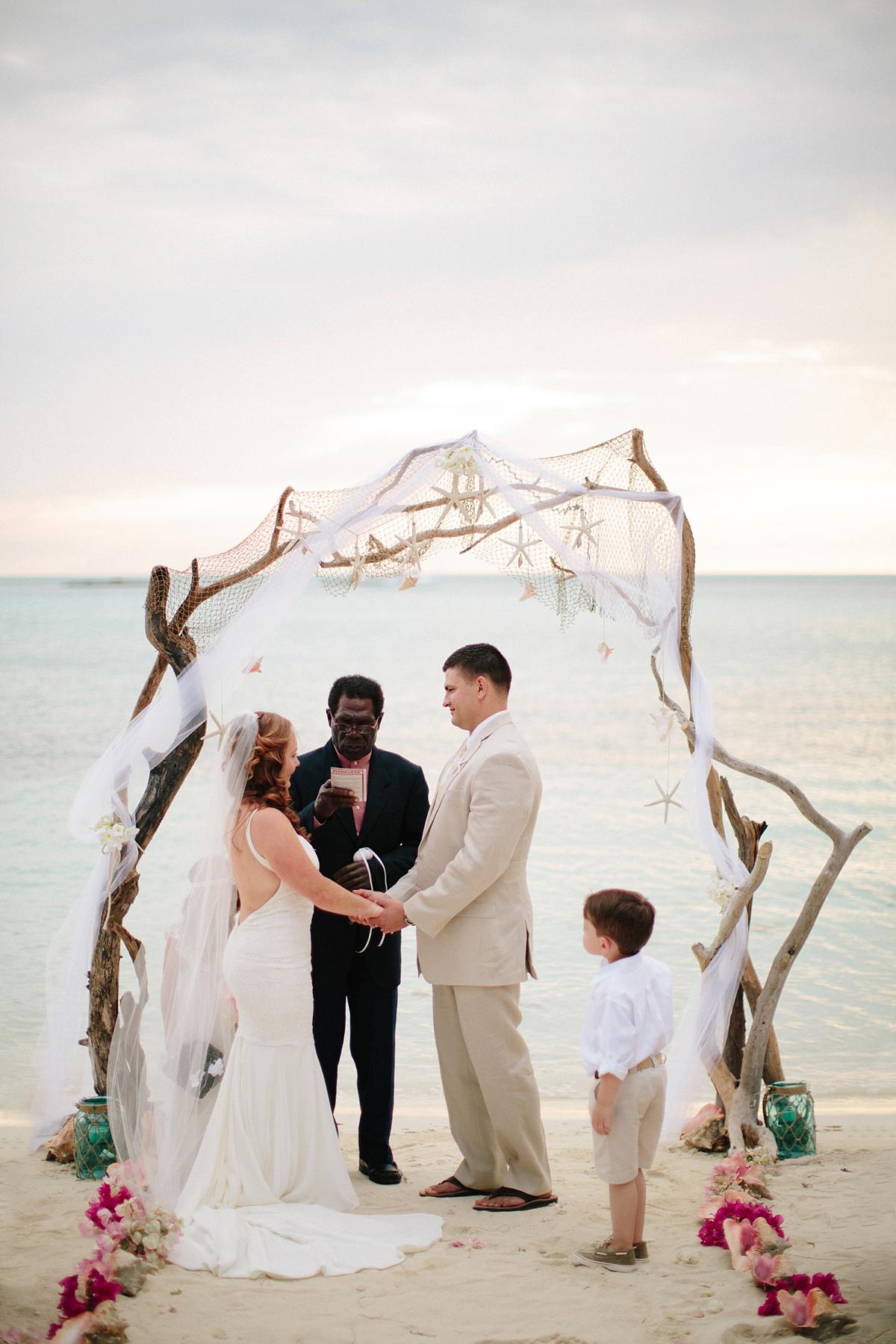 bahamas-destination-wedding-photographer-island-private-ceremony-staniel-cay_0028.jpg