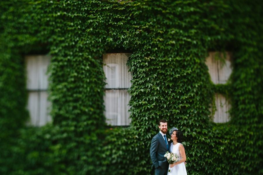 intimate_wedding_sportsmans_Chicago_photographer_bar_0046.jpg