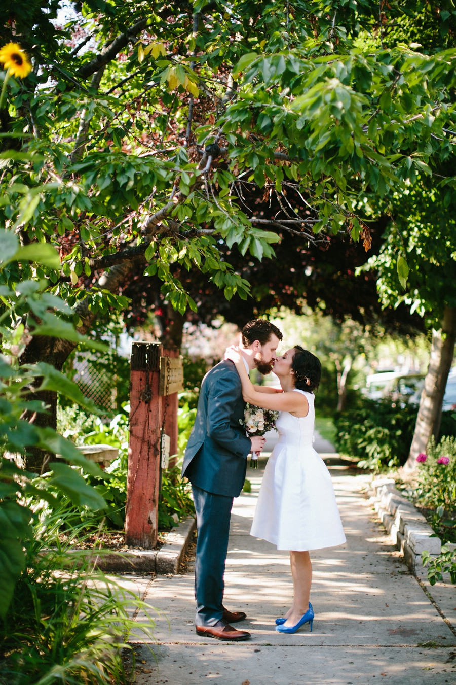 intimate_wedding_sportsmans_Chicago_photographer_bar_0049.jpg