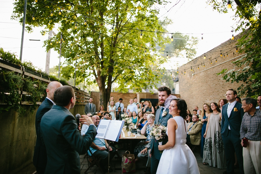 intimate_wedding_sportsmans_Chicago_photographer_bar_0060.jpg