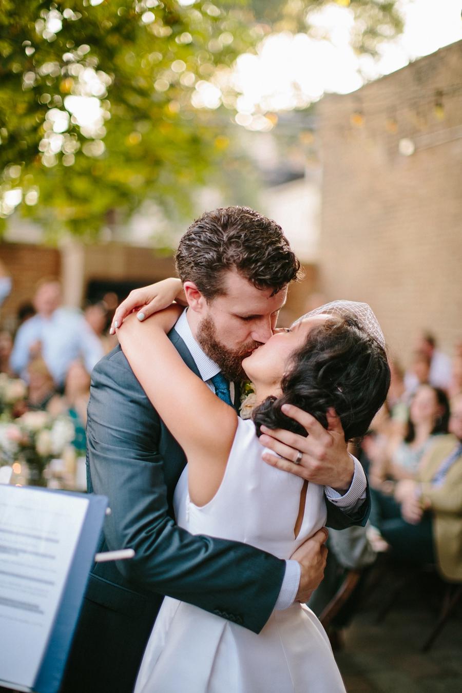 intimate_wedding_sportsmans_Chicago_photographer_bar_0063.jpg