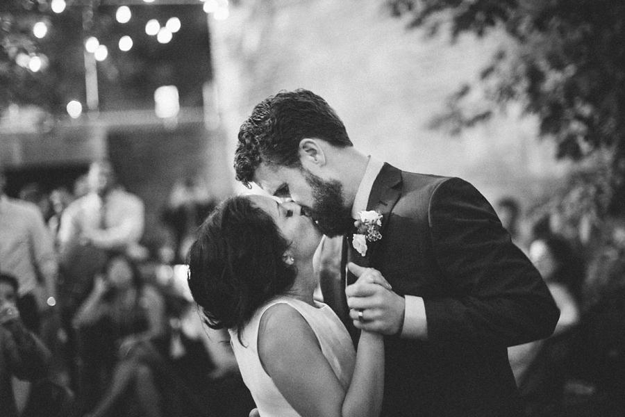 intimate_wedding_sportsmans_Chicago_photographer_bar_0067.jpg