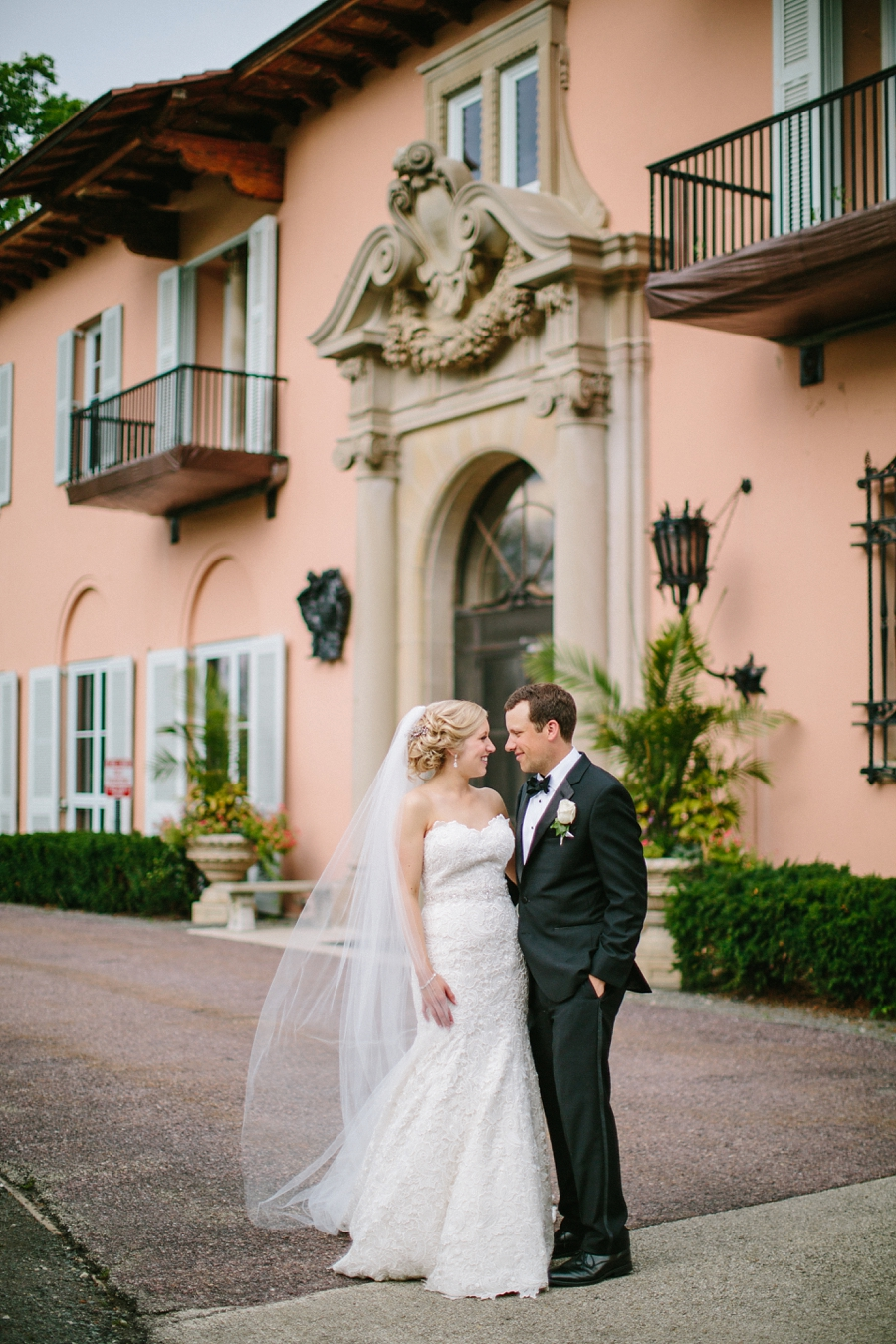 Cuneo_Mansion_Wedding_Photographer_Chicago_Suburbs_0049.jpg