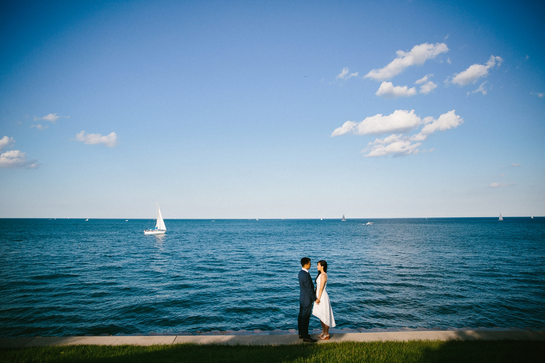 chicago-top-destination-wedding-photographer-outdoor-intimate_0006.jpg