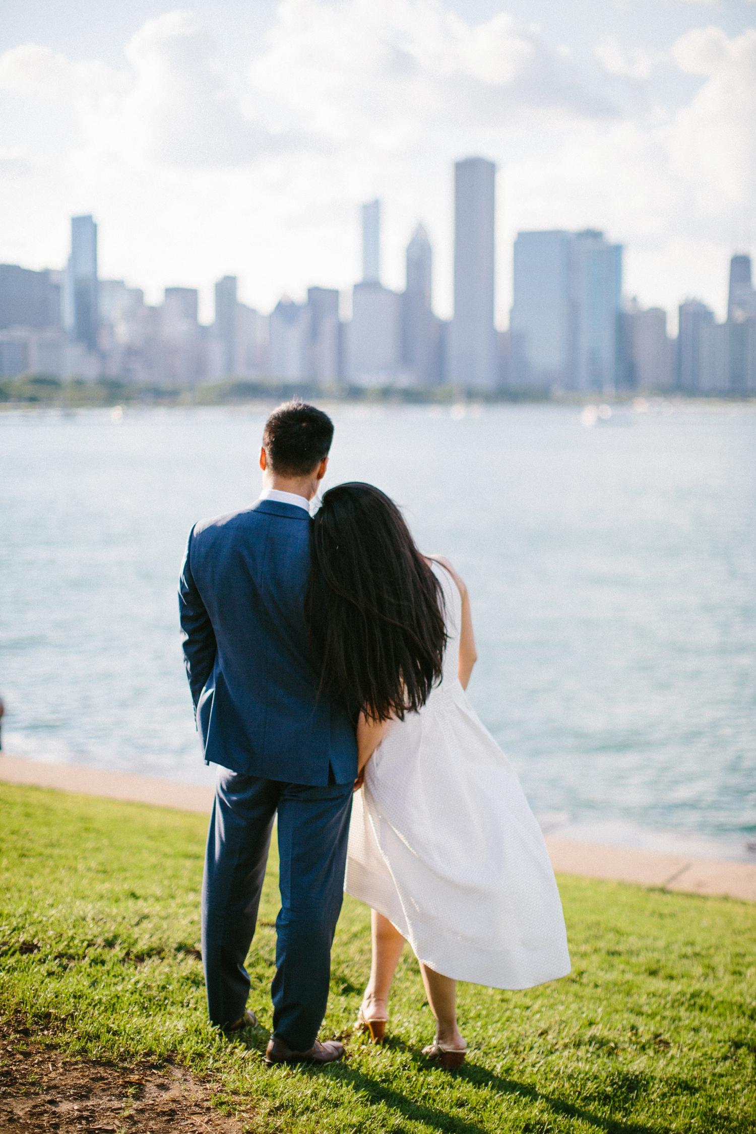 chicago-top-destination-wedding-photographer-outdoor-intimate_0010.jpg