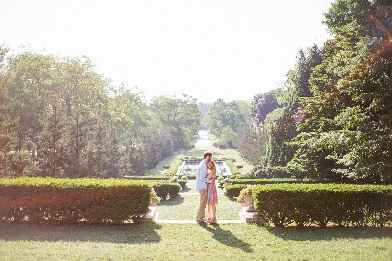 cantigny-park-chicago-wedding-photographer-engagement_0019.jpg
