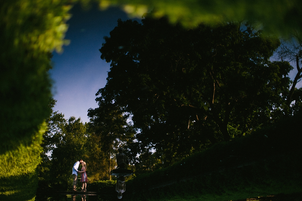 cantigny-park-chicago-wedding-photographer-engagement_0025.jpg