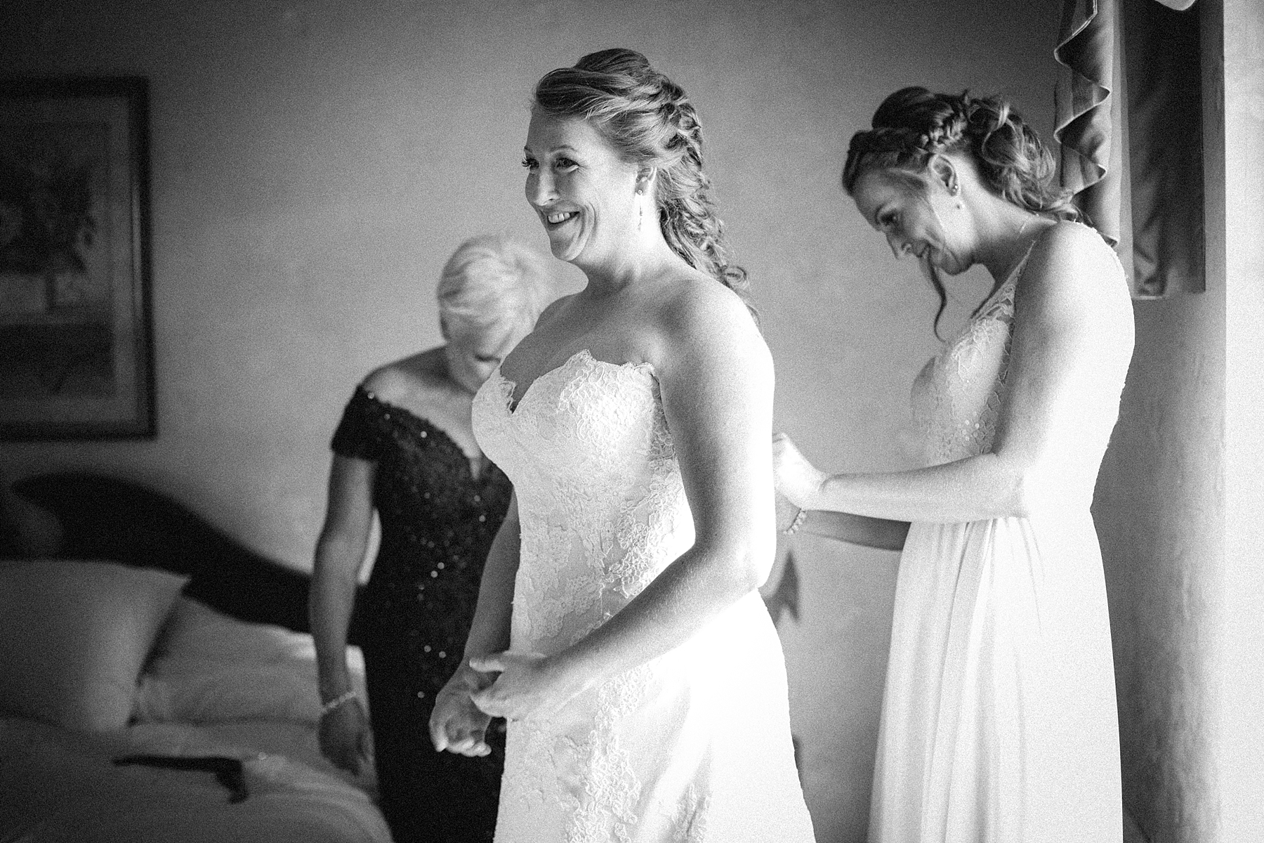 farm-wedding-engagement-session-destination-intimate_0020.jpg