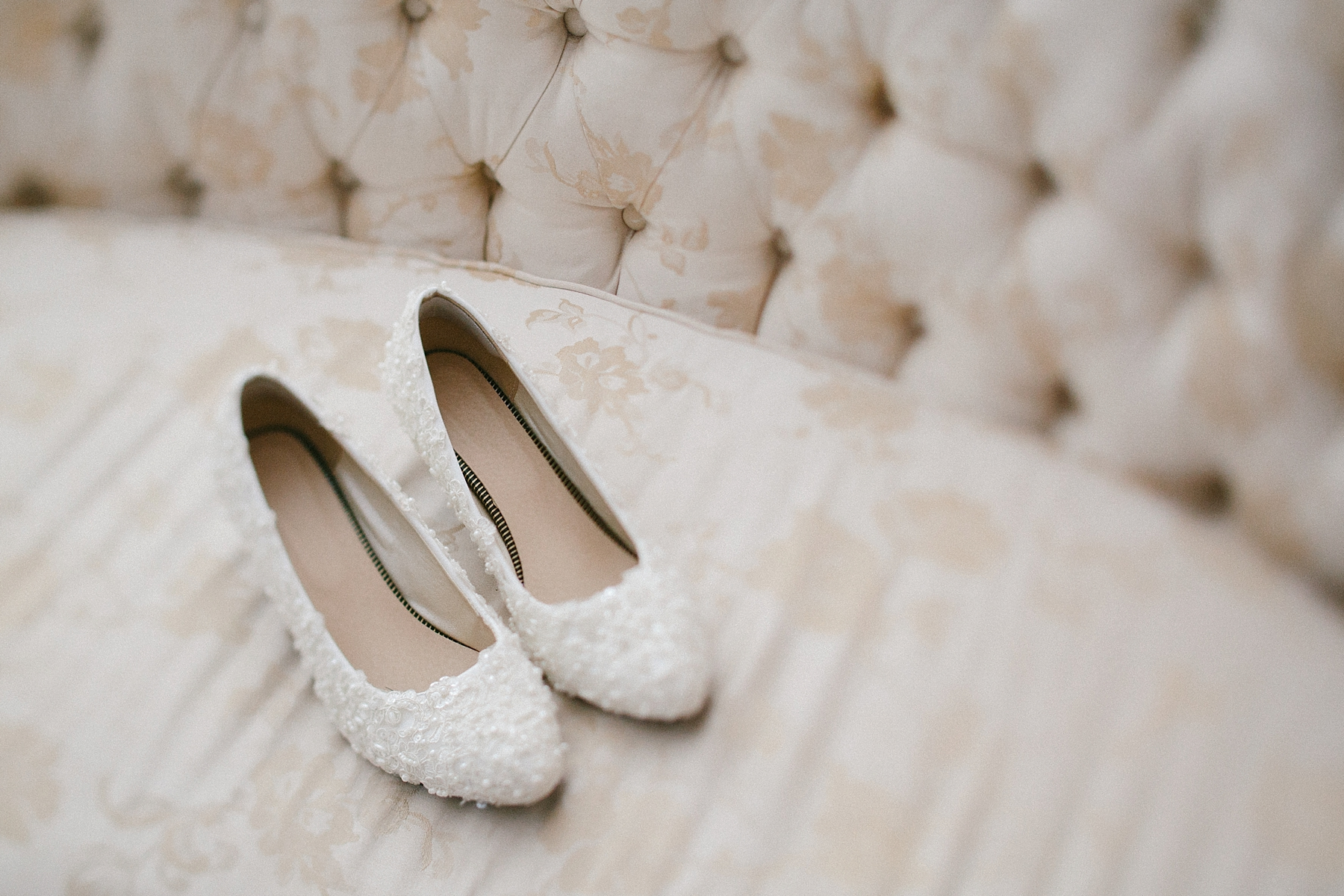 farm-wedding-engagement-session-destination-intimate_0019.jpg