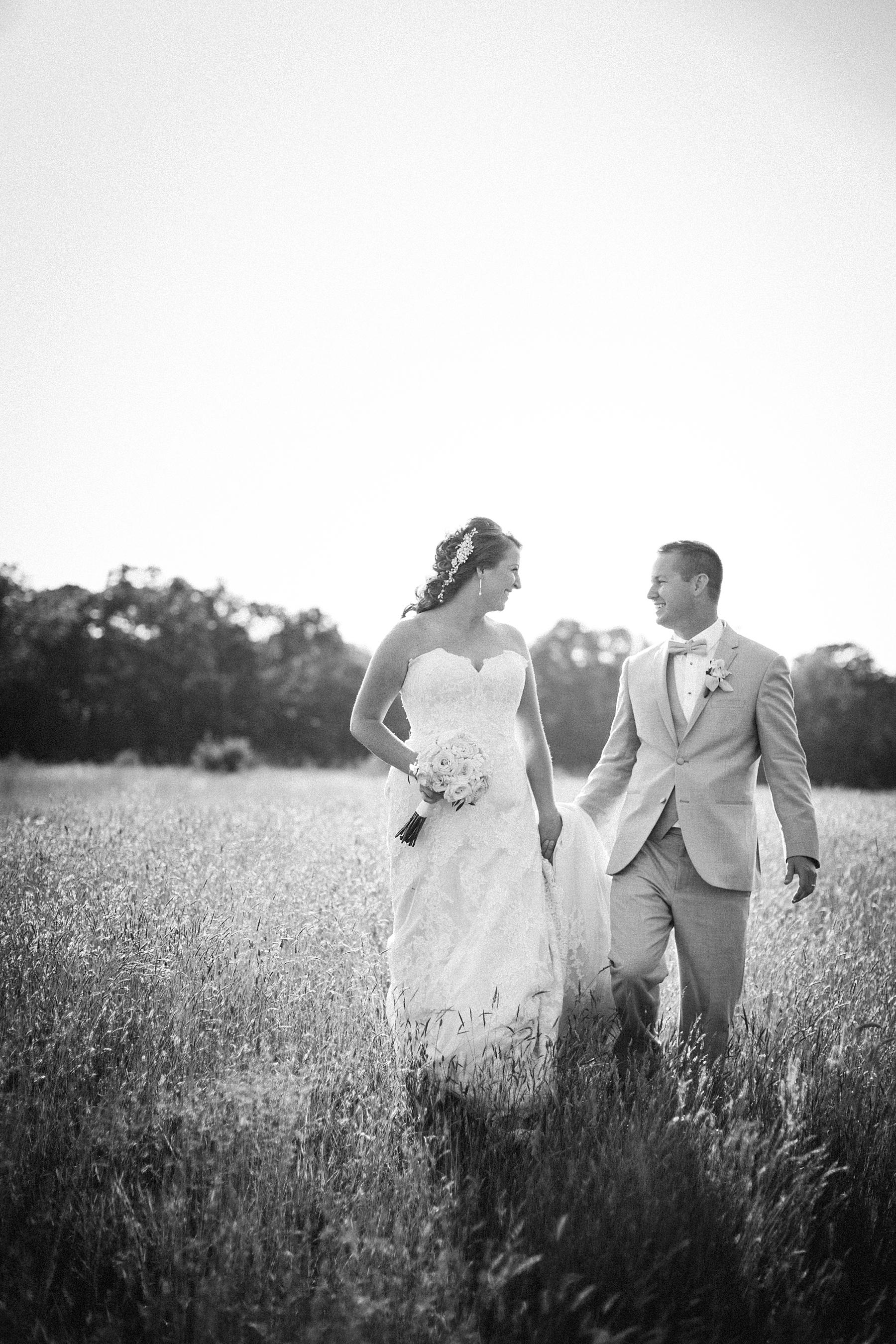 farm-wedding-engagement-session-destination-intimate_0041.jpg