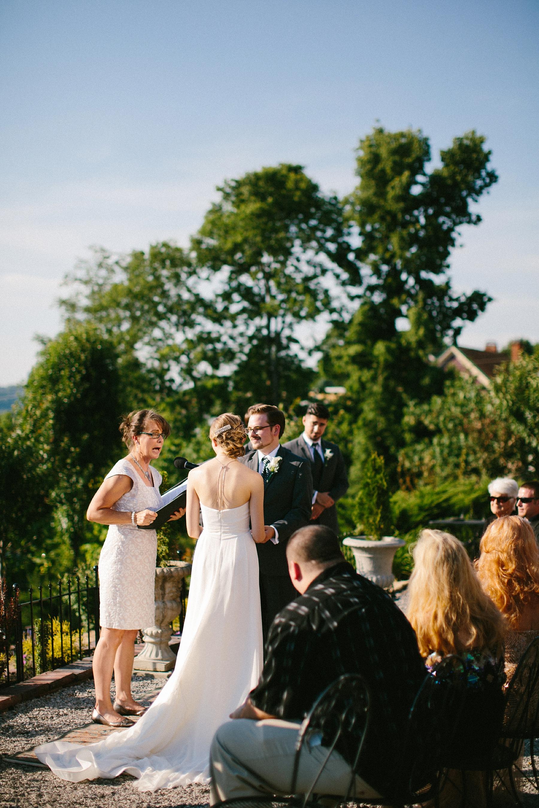 farm-wedding-engagement-session-destination-intimate_0069.jpg