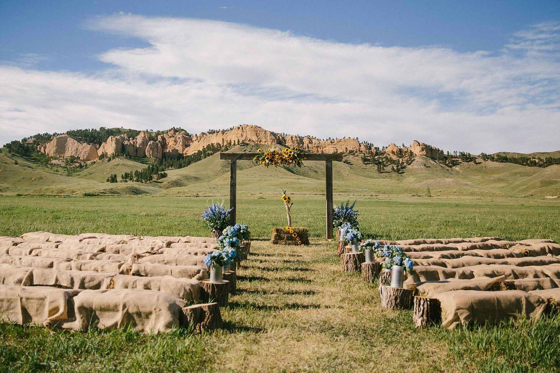 wyoming-destination-wedding-cattle-ranch-west_0018.jpg