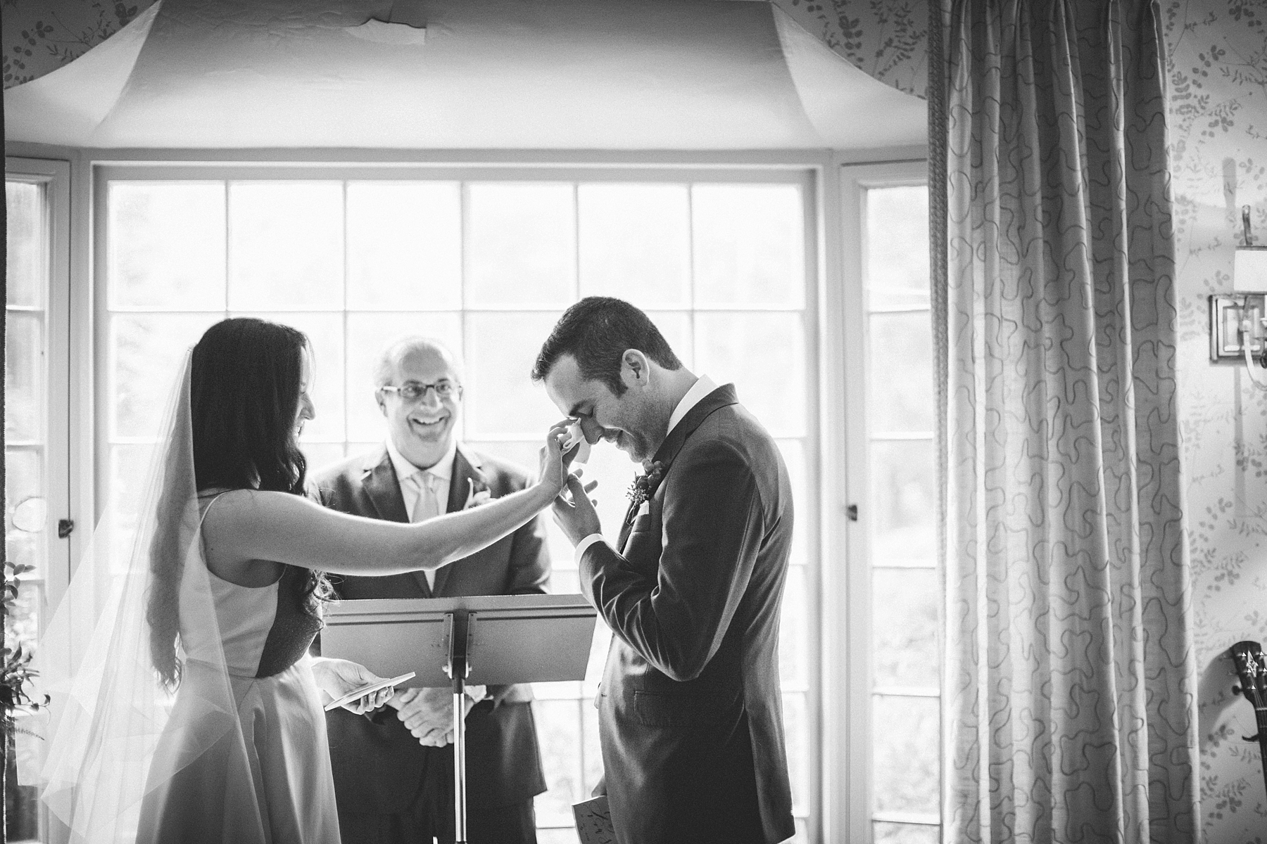 intimate-destination-wedding-photographer-outdoor_0100.jpg