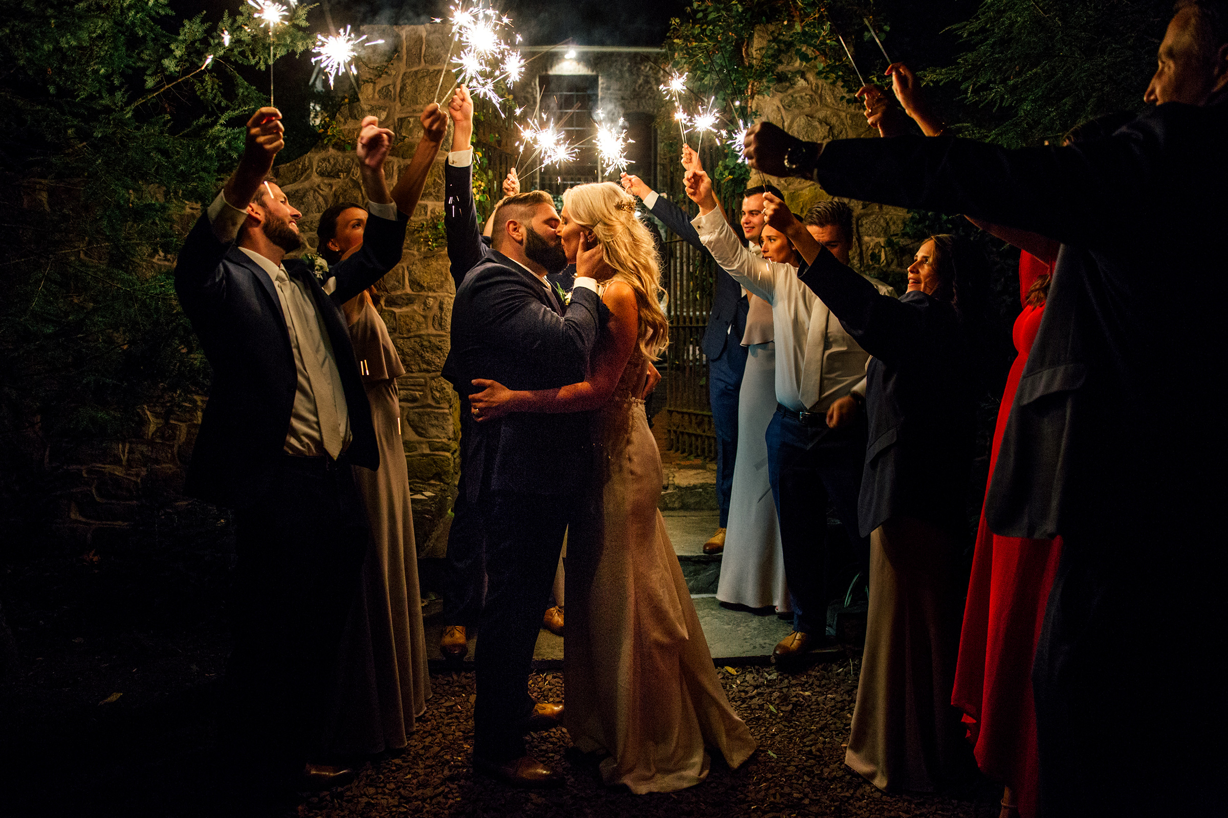 sparklers-backyard-soul-wedding-travel-intimate-natural-candid-moments.jpg