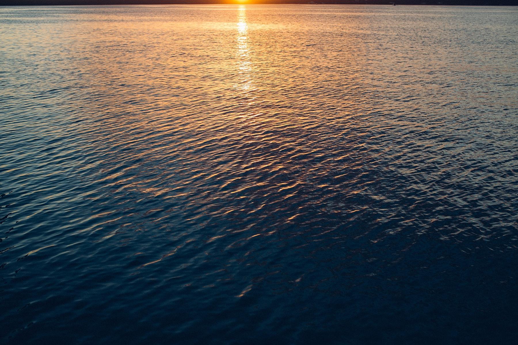 intimate-destination-wedding-beach-moments-harbour-island_0005.jpg