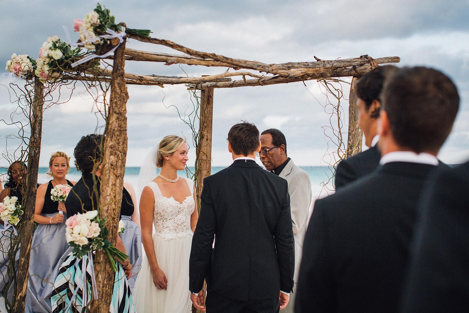 intimate-destination-wedding-beach-moments-harbour-island_0044.jpg