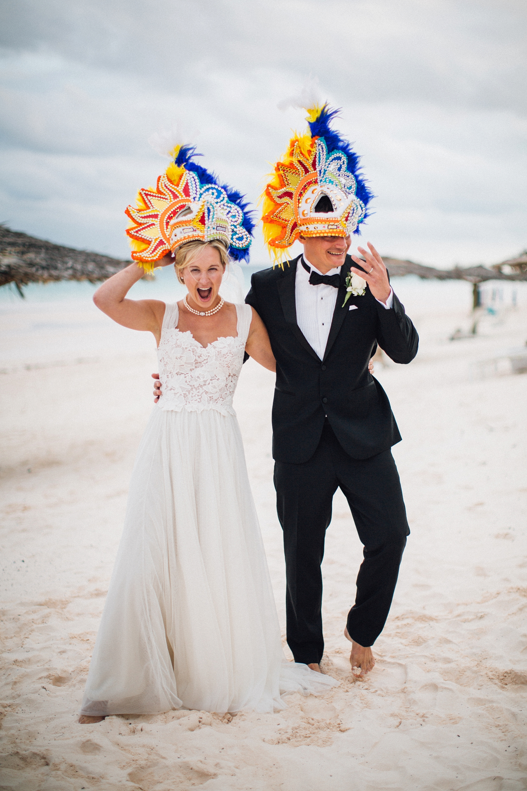 intimate-destination-wedding-beach-moments-harbour-island_0055.jpg