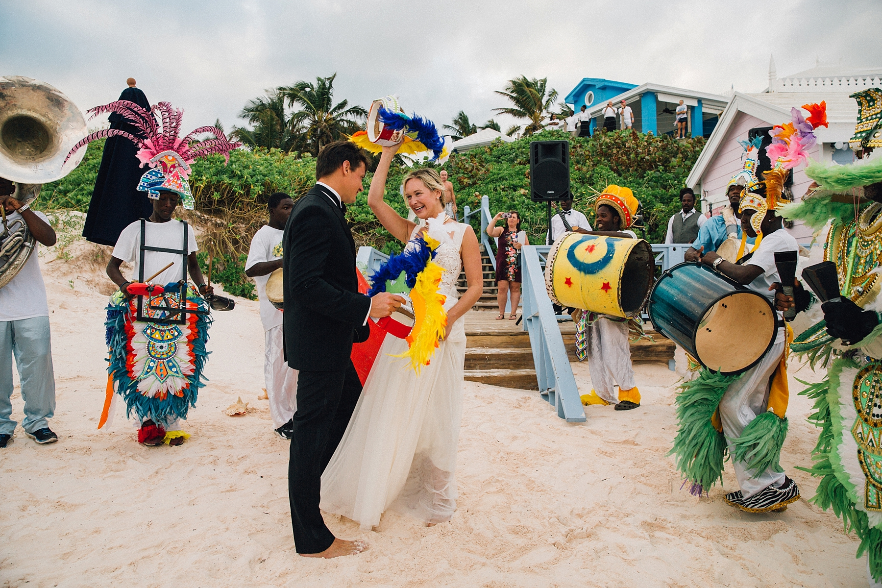 intimate-destination-wedding-beach-moments-harbour-island_0057.jpg