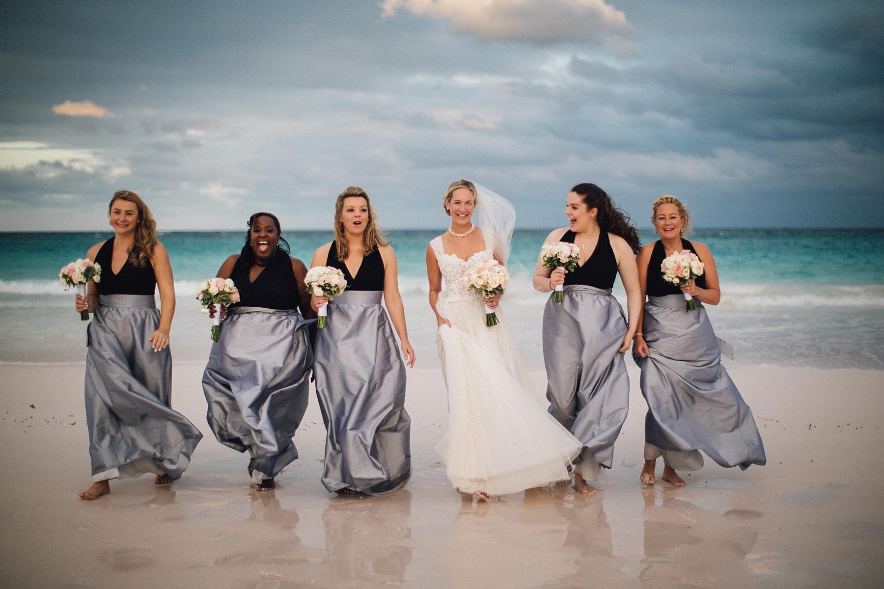 intimate-destination-wedding-beach-moments-harbour-island_0059.jpg