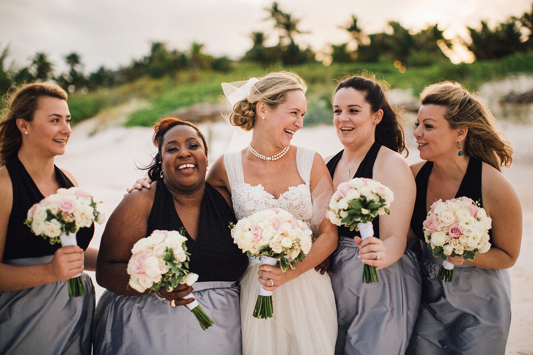 intimate-destination-wedding-beach-moments-harbour-island_0061.jpg