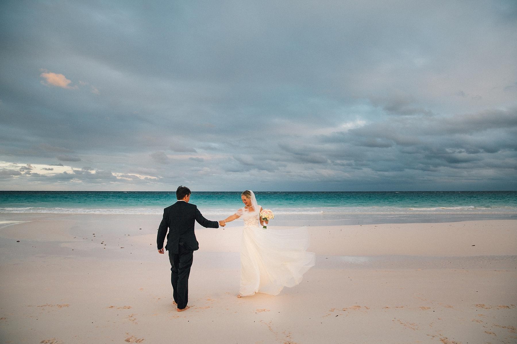 intimate-destination-wedding-beach-moments-harbour-island_0063.jpg