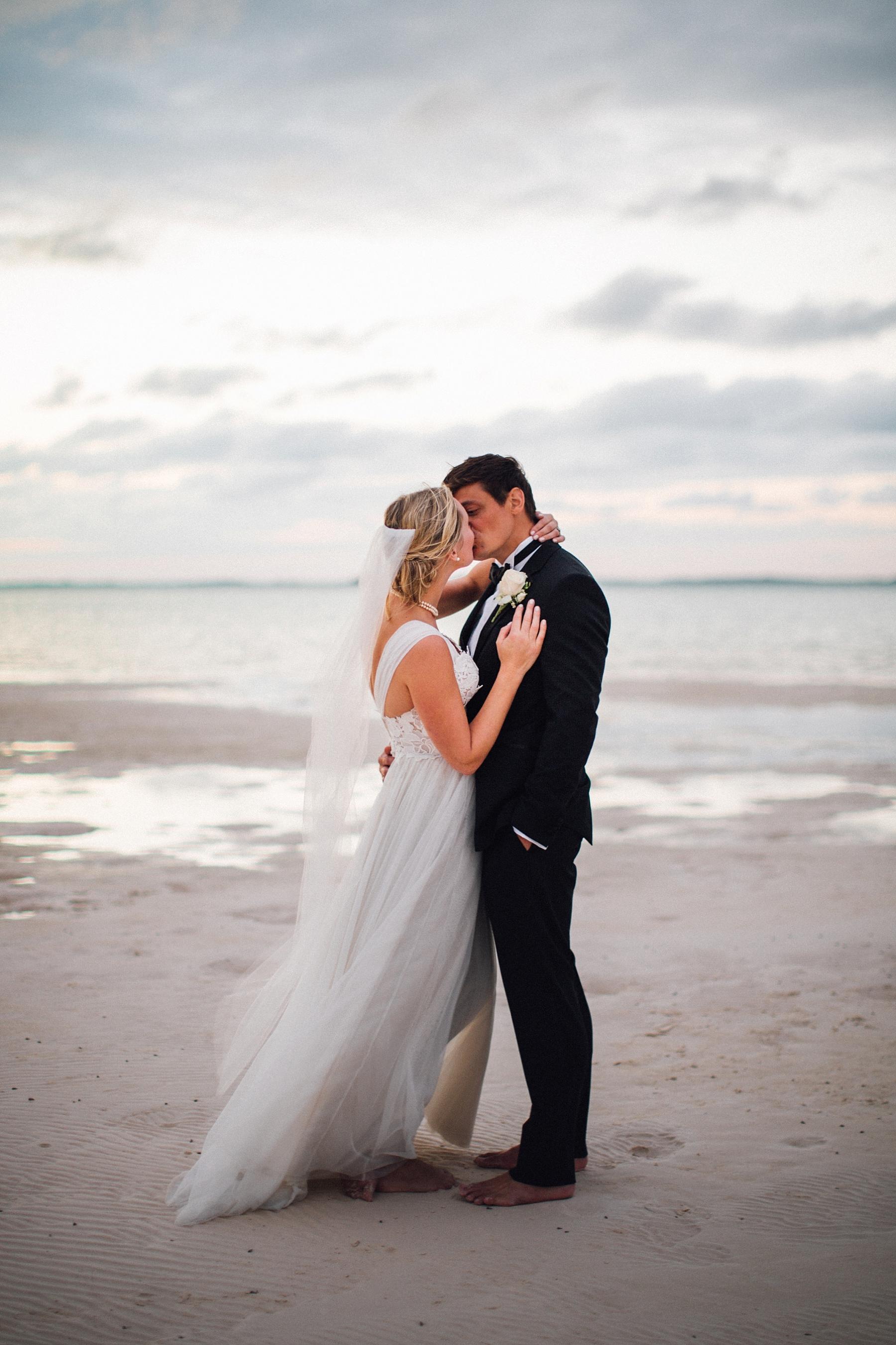intimate-destination-wedding-beach-moments-harbour-island_0071.jpg