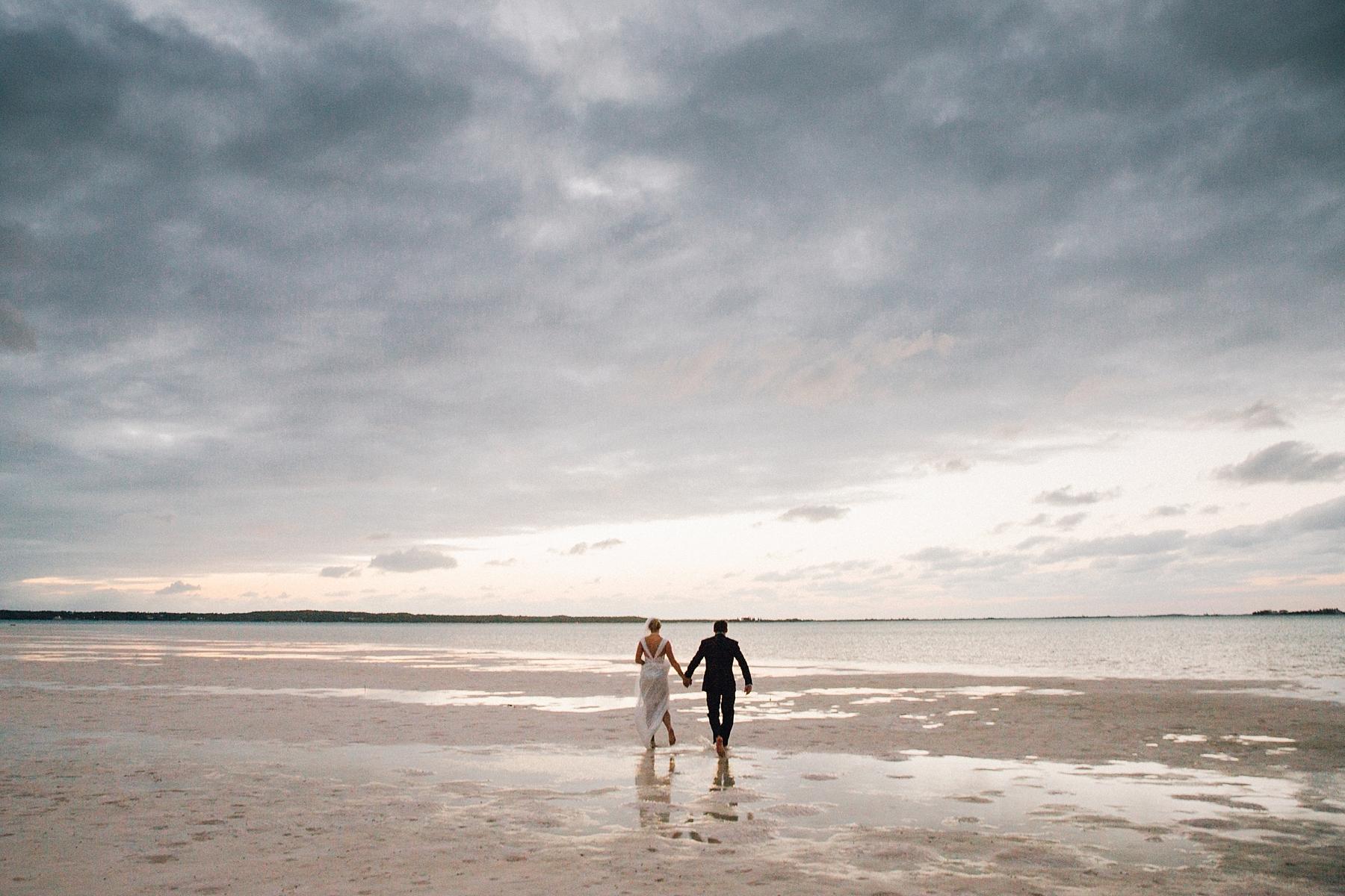 intimate-destination-wedding-beach-moments-harbour-island_0075.jpg