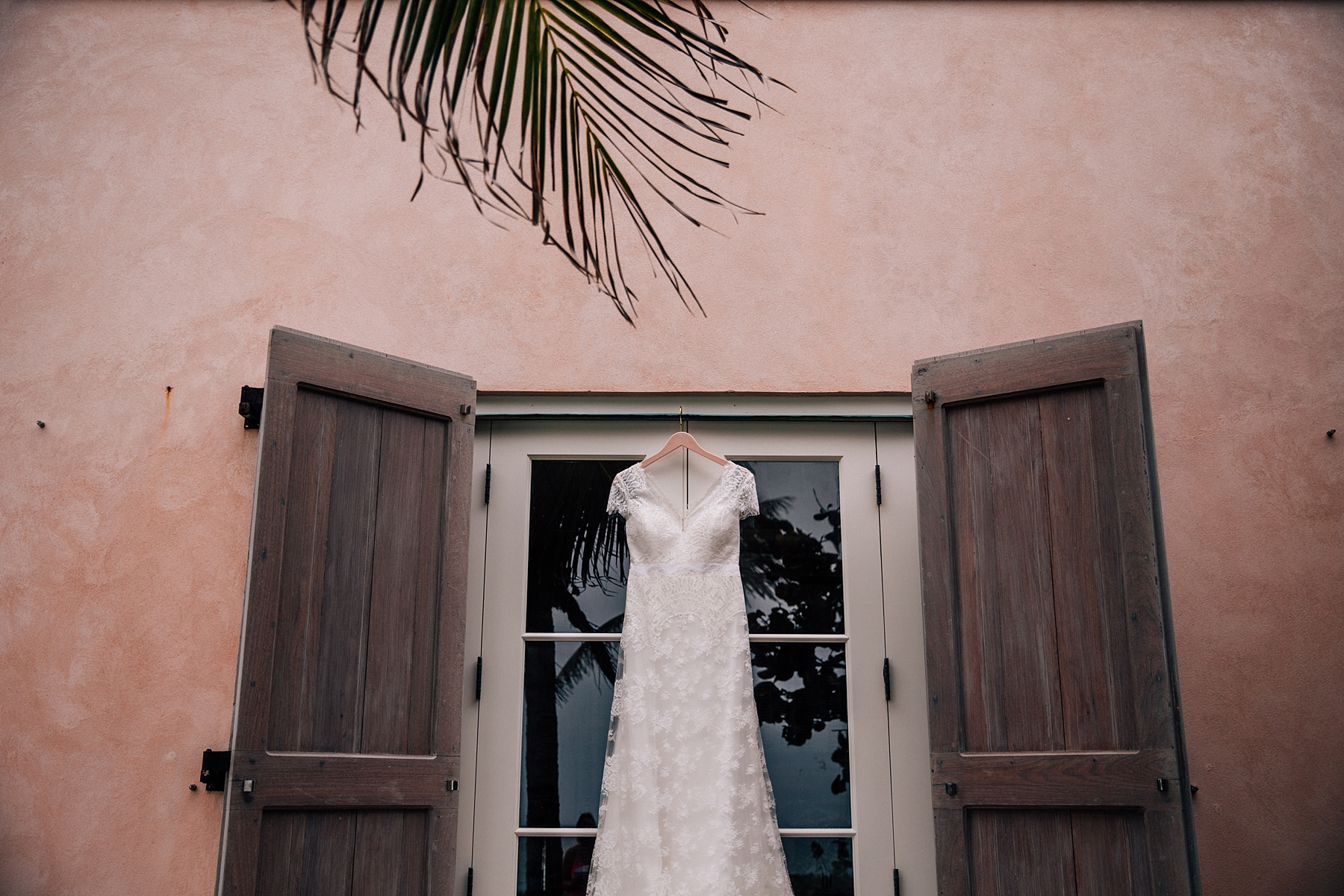briland-wedding-photographer-harbour-island-bahamas_0003.jpg