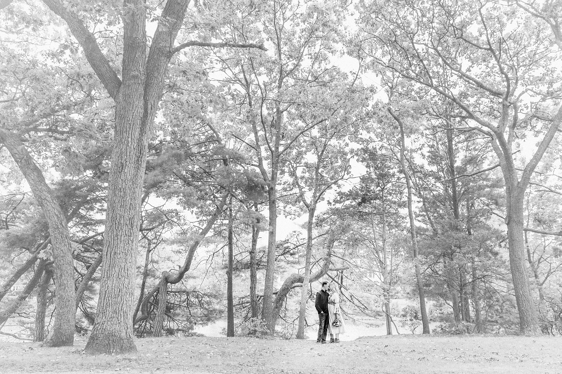 spring-lake-nj-engagement-session-cloudy-day-beach_0005.jpg