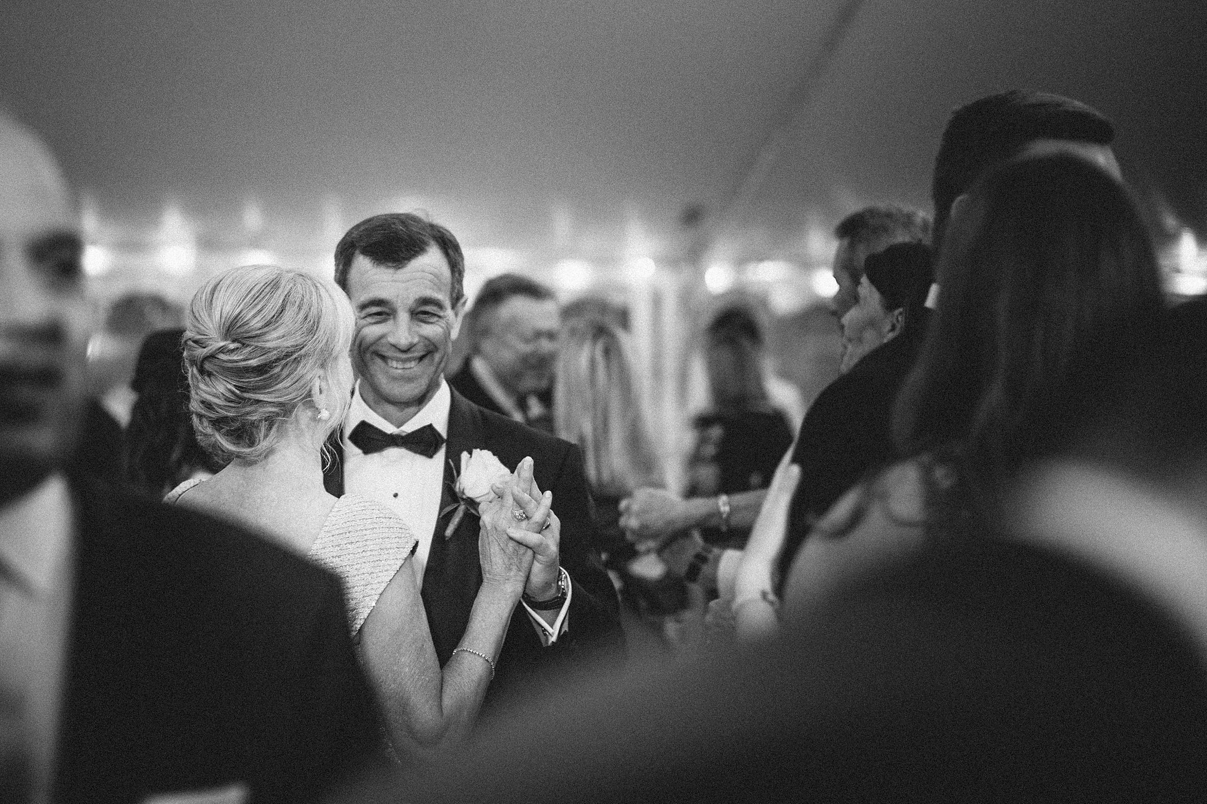 rumson-tented-wedding-nj-maine-conneticut-classic_0037.jpg